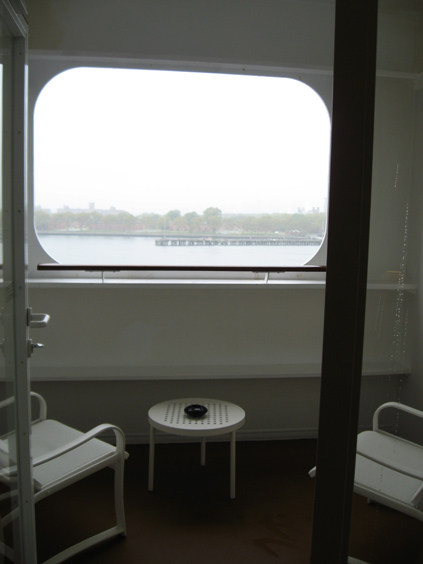 Guarantee cabin page 2 cruise critic message board forums for Sheltered balcony qm2